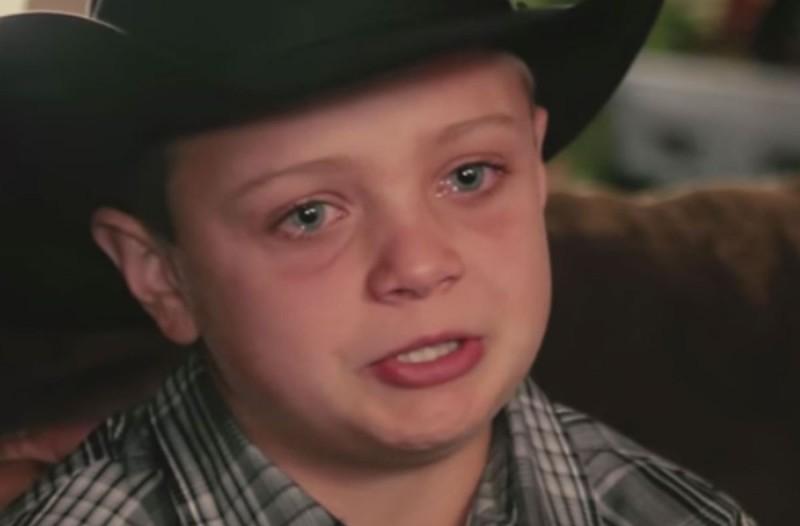 10χρονος χάνει τον μπαμπά του από καρκίνο. Λίγες μέρες μετά ξεσπάει σε κλάματα όταν βλέπει τι τον περιμένει έξω απ'το σπίτι του!