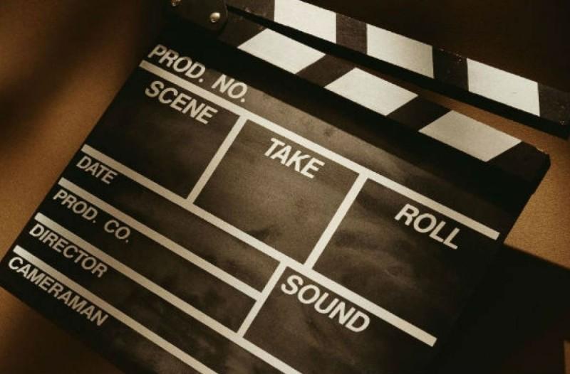 Σοκ στον καλλιτεχνικό κόσμο: Πέθανε πασίγνωστος σκηνοθέτης (photo-video)