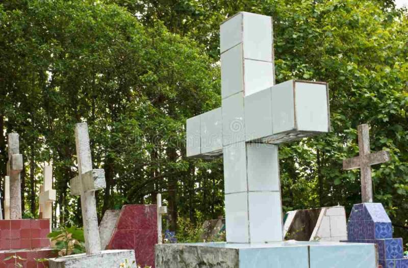 Έκαναν μια ξεχωριστή κηδεία - Ο τάφος της γυναίκας είχε…