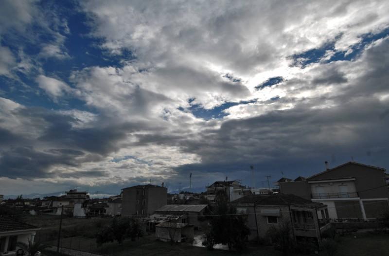 Καιρός σήμερα: Βροχές στα νότια και λιακάδα στην υπόλοιπη χώρα - Αναλυτική πρόγνωση