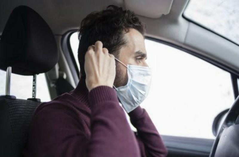 Κορωνοϊός: Πότε είναι υποχρεωτική η μάσκα στο αυτοκίνητο