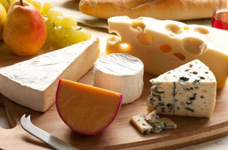 4 πιο υγιεινά τυριά: Βάλτε τα στην διατροφή σας!