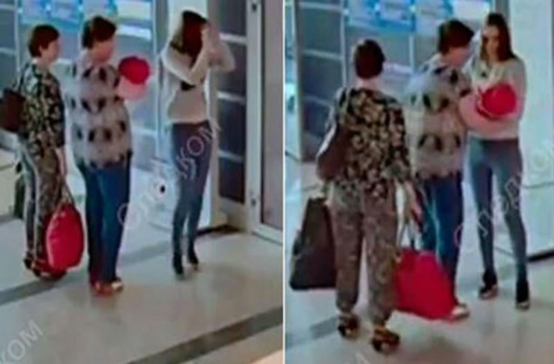 Αυτή η μητέρα πήγε στο αεροδρόμιο με το μωρό της - Όταν τους πλησίασε μια άγνωστη έγινε το αδιανόητο