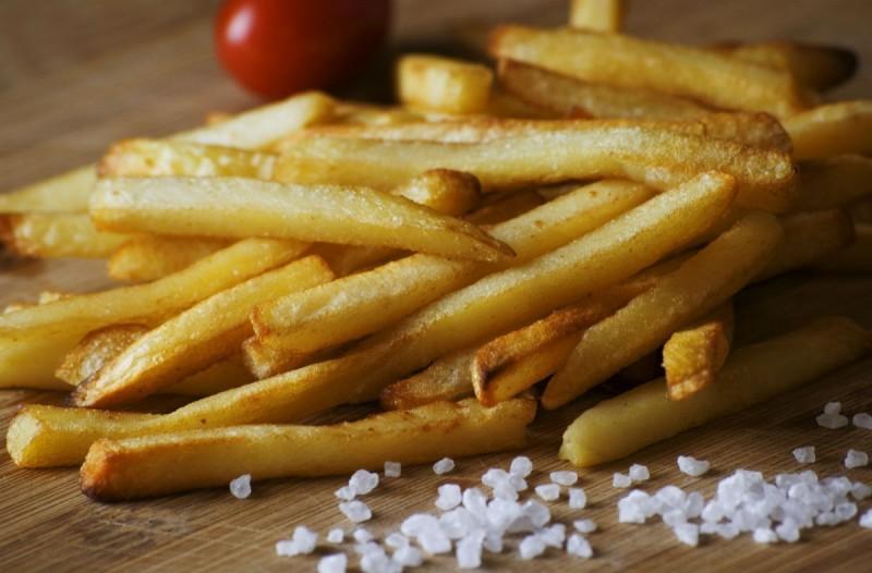 Το απόλυτο tip για να ζεστάνετε ξανά τις πατάτες και να είναι σαν ολόφρεσκες