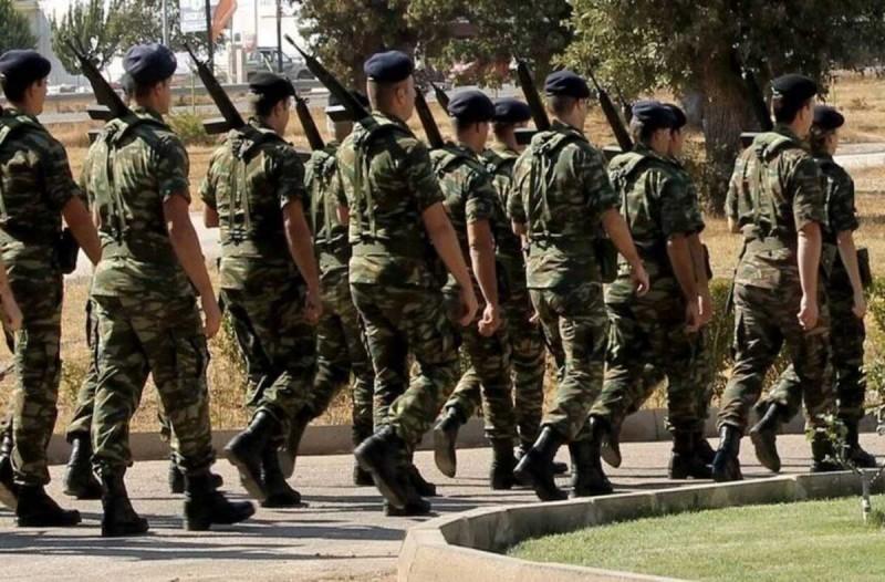 Στρατιωτική θητεία: Τα δύο σενάρια που μελετά το υπουργείο Εθνικής Άμυνας για την αύξηση της