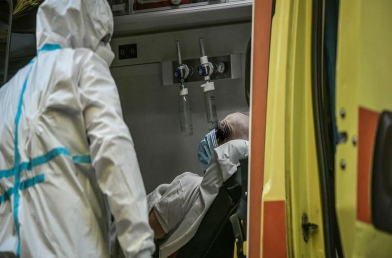 Κορωνοϊός: 8 θάνατοι μέσα σε λίγες μόνο ώρες - Στους 572 οι νεκροί