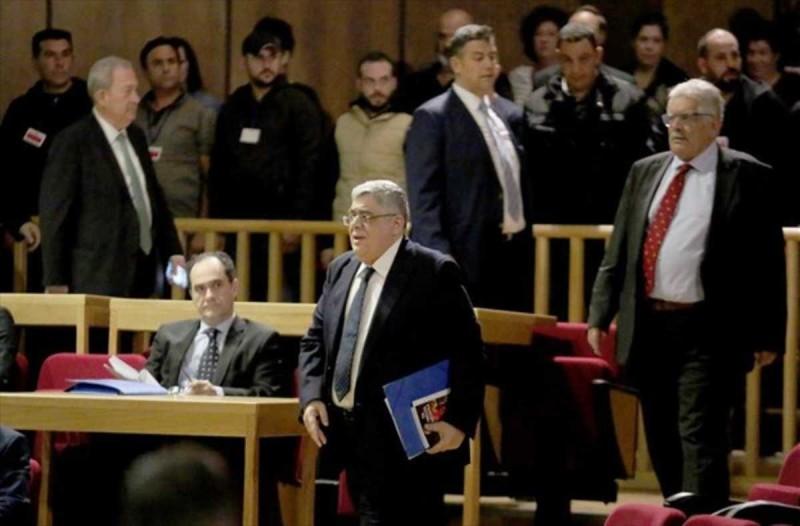 Δίκη Χρυσής Αυγής:  Απόντες Μιχαλολιάκος και… βασικοί ακόλουθοι