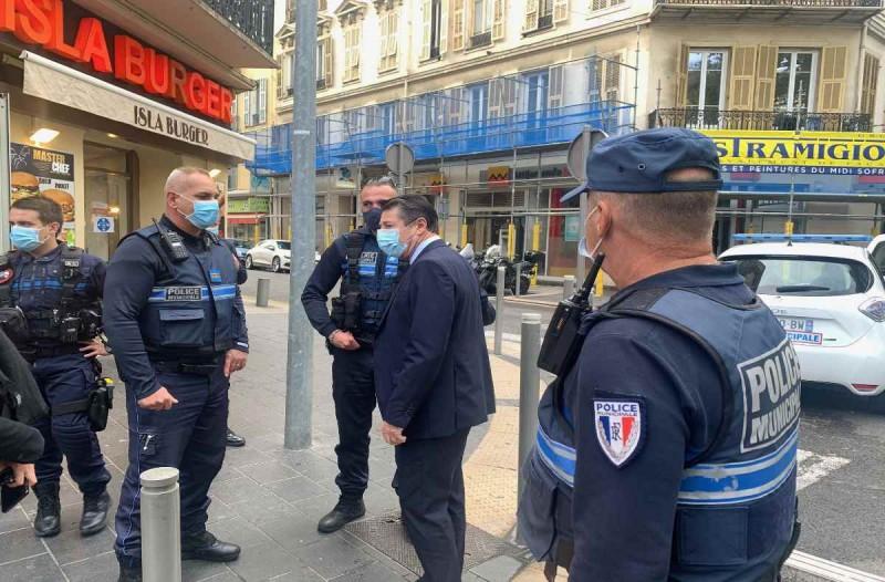 Επίθεση με μαχαίρι στη Νίκαια - Ένας νεκρός και αρκετοί τραυματίες