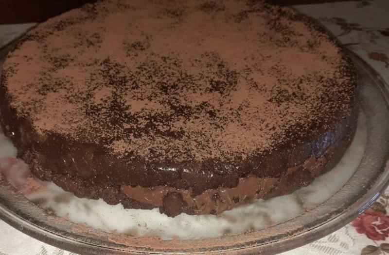 Σοκολατένιο γλυκό ψυγείου με 3 υλικά