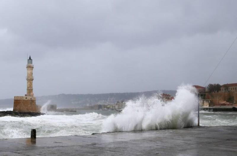 Καιρός σήμερα: Βροχές και καταιγίδες σε Κρήτη και Κυκλάδες - Βελτίωση από το μεσημέρι