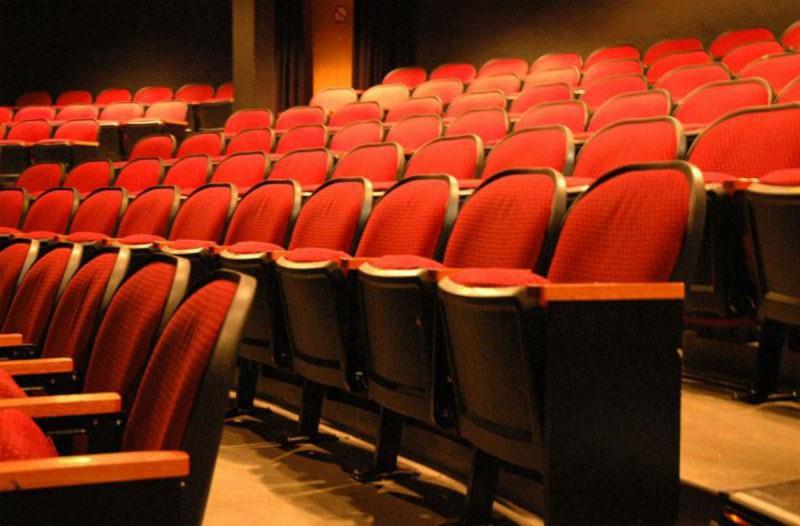 Κορωνοϊός: Έτσι θα λειτουργήσουν θέατρα και κινηματογράφοι