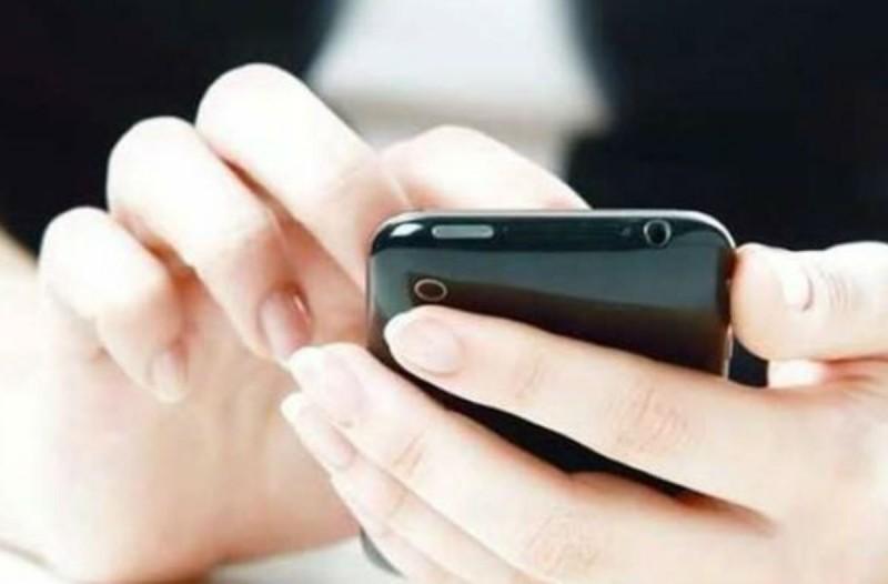 Ο αριθμός του κινητού σου δείχνει την ηλικία σου - Δες πώς!