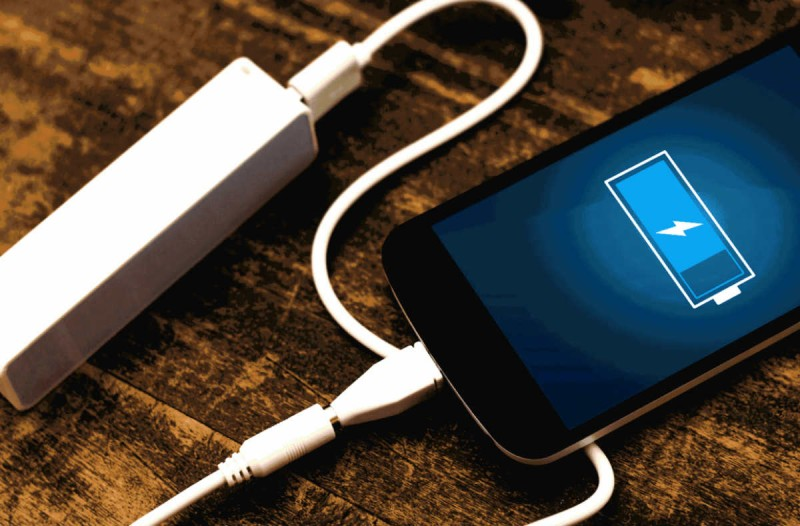 4+1 tips για να μην ξεμείνετε ποτέ από μπαταρία στο κινητό