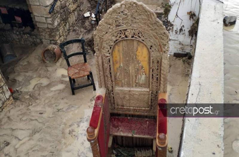 Η κακοκαιρία στην Κρήτη έκανε φθορές σε εκκλησάκι