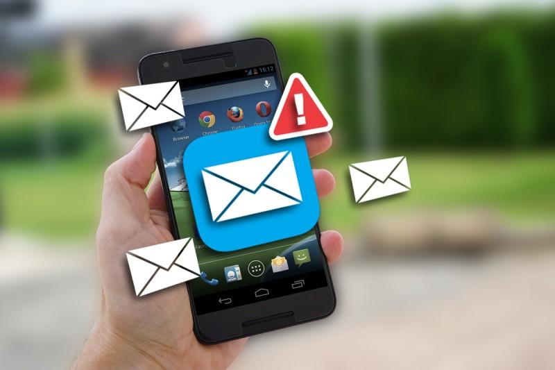 Έκτακτη προειδοποίηση από την Δίωξη: Μην ανοίξετε αυτό το mail στο κινητό σας!