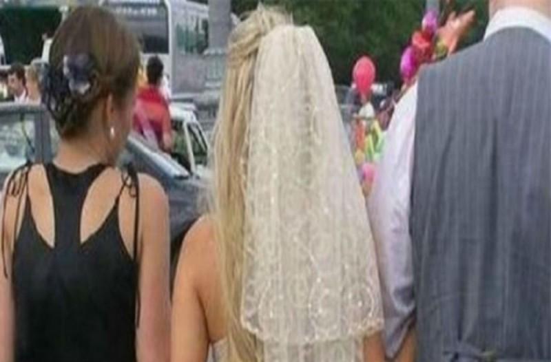 Η νύφη κρατούσε μυστικό το φόρεμα που θα φορούσε στο γάμο - Μόλις την είδε ο γαμπρός...