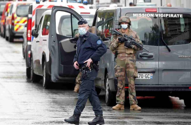 Παρίσι: Αυτός είναι ο άνθρωπος που αποκεφάλισε τον καθηγητή