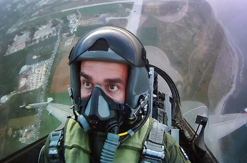 «Η Δημοκρατία και η Ελευθερία είναι... »: Το μήνυμα πιλότου της Πολεμικής Αεροπορίας για την 28η Οκτωβρίου