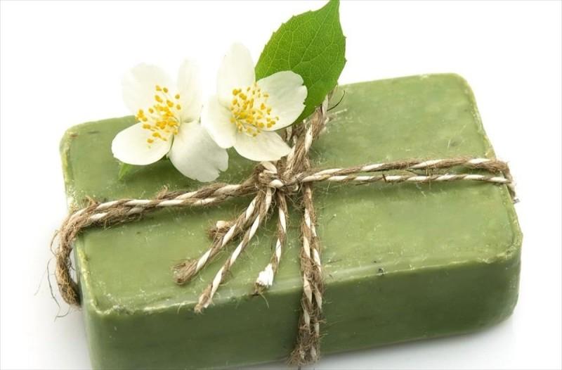 Απίστευτο: Φτιάξτε σπιτικό σαμπουάν με ένα... πράσινο σαπούνι - Τα 6 εύκολα βήματα