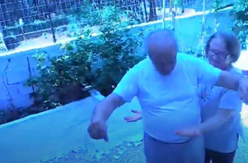 Το πιο αστείο τσιφτετέλι στο Youtube: Παππούς χορεύει και