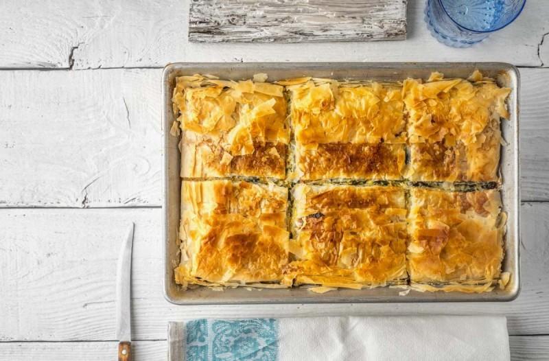 Τυρόπιτα με τρία τυριά και φύλλο... μπακλαβά