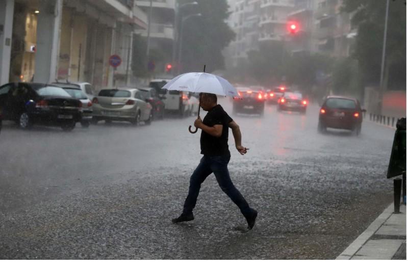 Καιρός σήμερα: Βροχές στα ανατολικά, ηλιοφάνεια στα κεντρικά και νότια