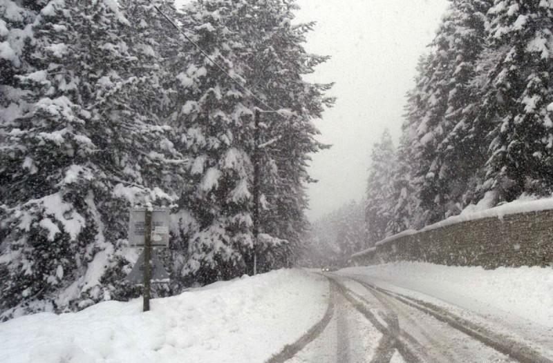 Καιρός: Έπεσαν τα πρώτα χιόνια στην Ελλάδα - Δείτε πού το «έστρωσε» (photo)