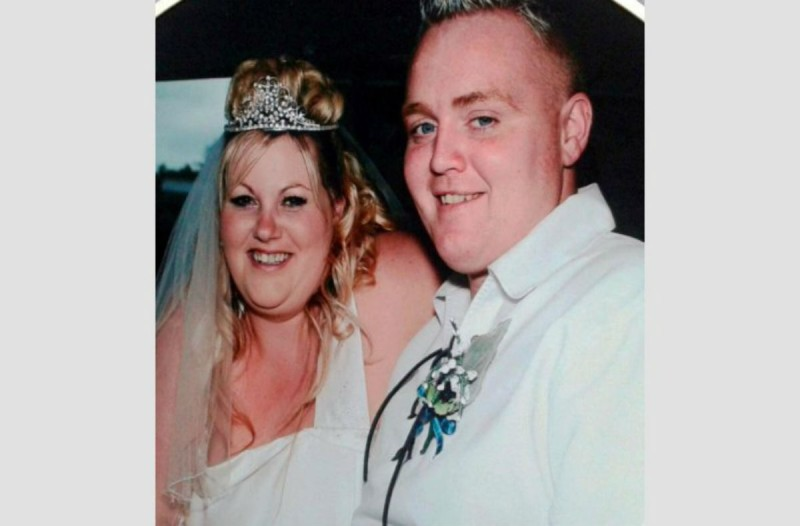 Υπέρβαρο ζευγάρι παντρεύτηκε ξανά μετά από 10 χρόνια - Ο λόγος θα σας αφήσει άφωνους