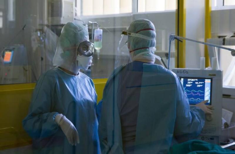 Κορωνοϊός: Ψυχρολουσία με 597 διασωληνωμένους και 87 θανάτους - 2.152 νέα κρούσματα σήμερα 25/11
