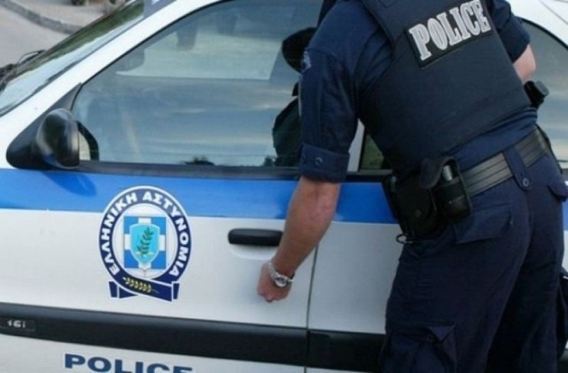 Συναγερμός στην Αγία Βαρβάρα: 50χρονη βρέθηκε μαχαιρωμένη μέσα στο σπίτι της
