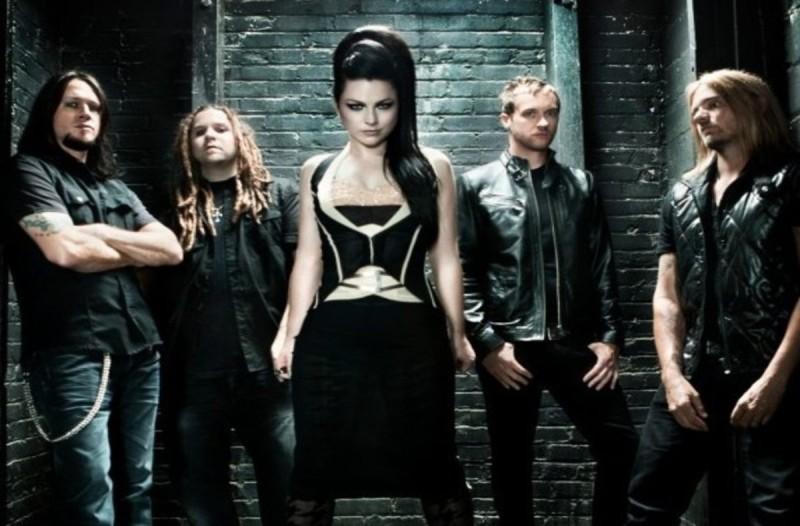 Θυμάστε το συγκρότημα των Evanescense - Δεν θα πιστέψετε πως είναι σήμερα η τραγουδίστρια τους (βίντεο)