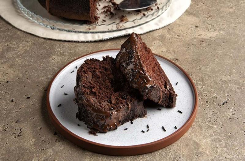 Αυτό είναι το κέικ σοκολάτας που ξετρέλανε όλο το TikTok