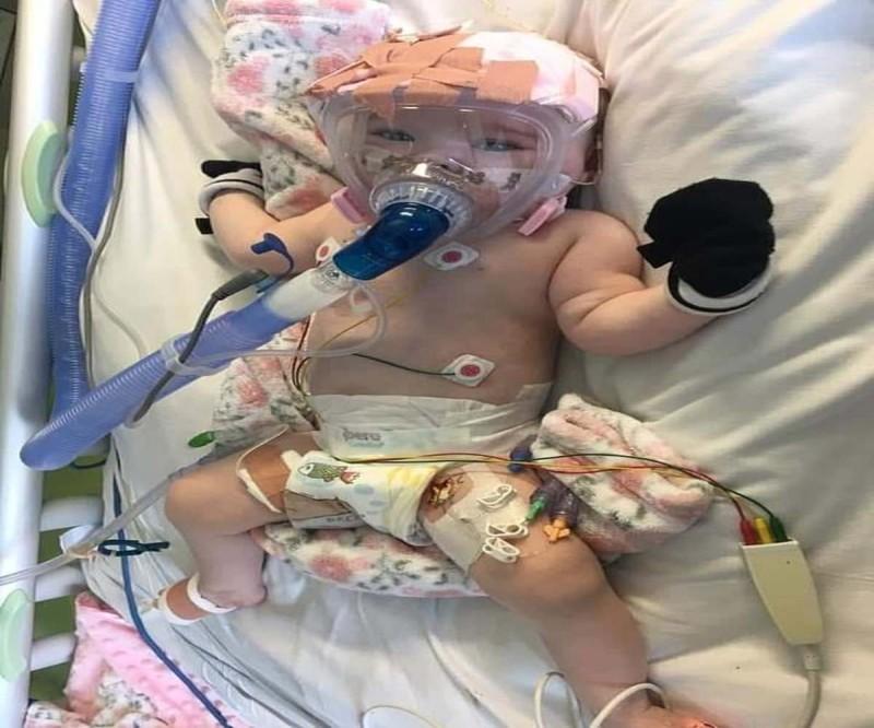 Μωρό 6 μηνών έπασχε από κορωνοϊό