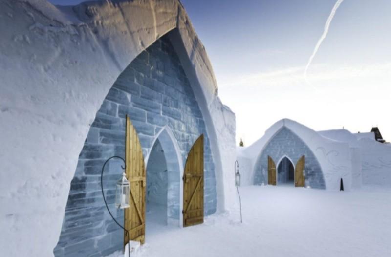 De Glace, Καναδάς: Το ξενοδοχείο που είναι αποκλειστικά φτιαγμένο από πάγο προ(σ)καλεί τολμηρούς επισκέπτες!