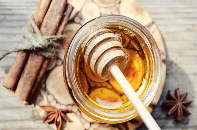 Μέλι και κανέλα: Ο συνδυασμός που θα σας βοηθήσει να... ζήσετε περισσότερο
