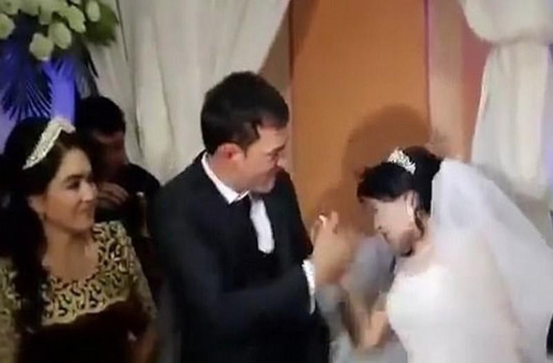 Νταής γαμπρός χαστουκίζει τη νύφη γιατί... (video)