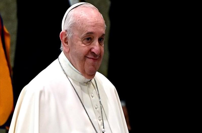 Πάπας Φραγκίσκος: Κολλημένοι στον μικρόκοσμό τους οι αρνητές της μάσκας