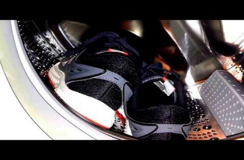 Αυτός είναι ο λόγος που απαγορεύεται να βάζετε στο πλυντήριο τα αθλητικά σας παπούτσια