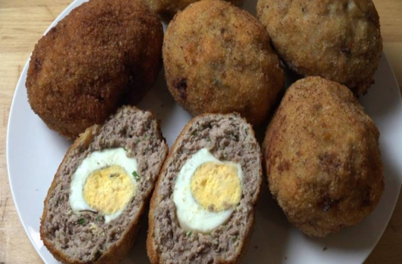 Συνταγή για μπιφτέκια με αυγά