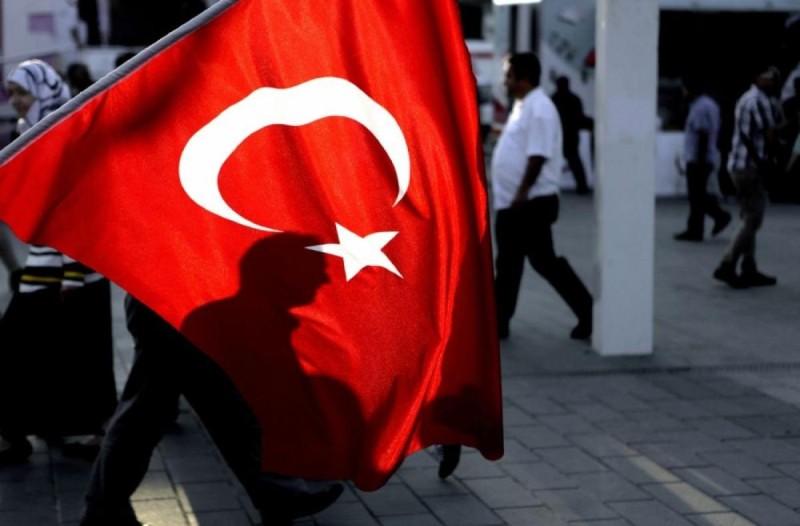 Ένταλμα για μαζικές συλλήψεις στην Τουρκία