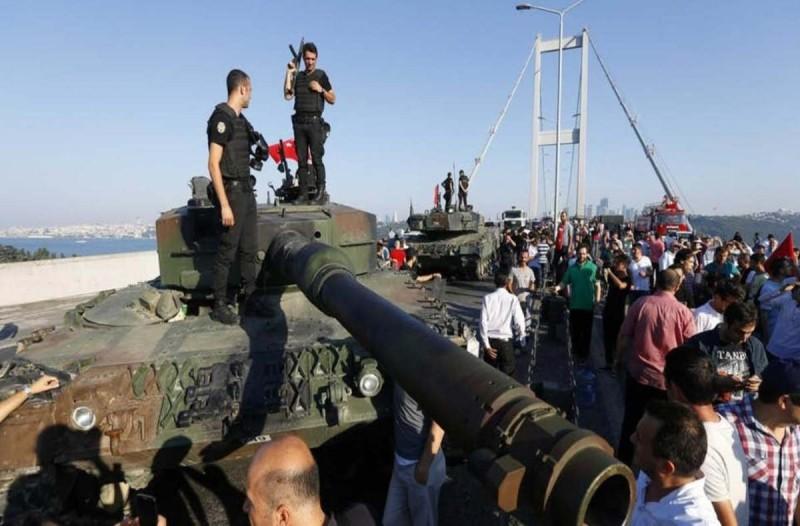Τουρκία: Ισόβια σε στρατηγούς και πιλότους για το αποτυχημένο πραξικόπημα κατά Ερντογάν