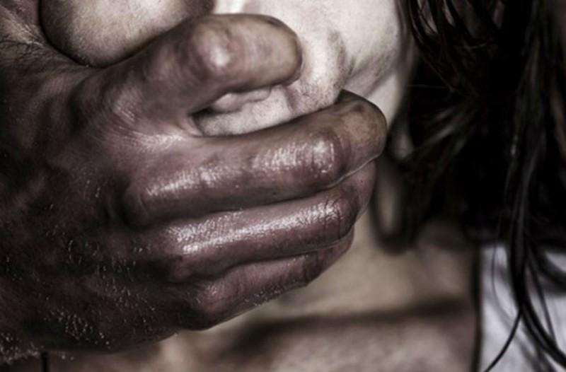 Φρίκη στην Ινδία: Βίασαν και σκότωσαν 5χρονο κορίτσι