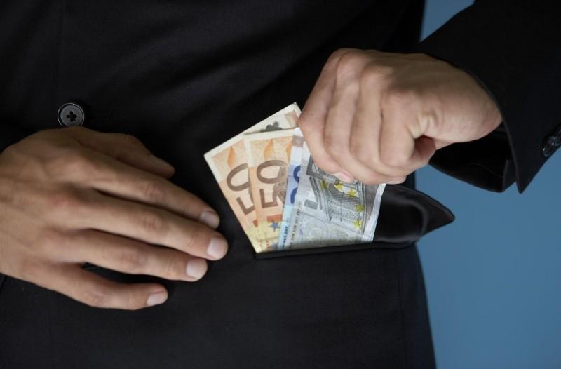 Απίστευτο: 30χρονος άνδρας εξαπατούσε γυναίκες να του δώσουν χρήματα - Ο λόγος συγκλονίζει