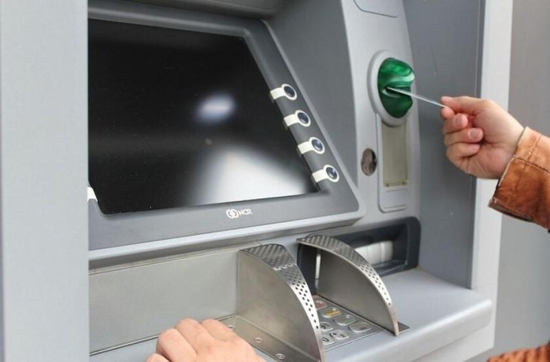 51χρονος άνδρας έκανε ανάληψη 390 ευρώ σε ΑΤΜ: Λίγα λεπτά μετά δεν πίστευε στο μάτια του!