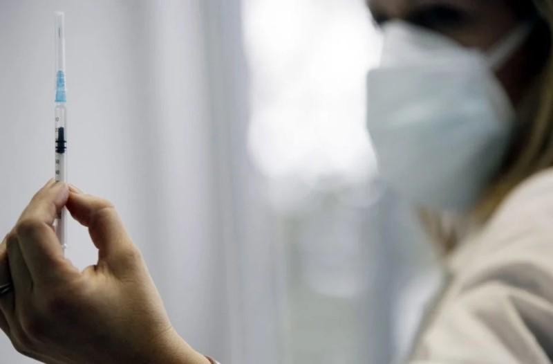 Κορωνοϊός: Πότε έρχεται η νέα παρτίδα εμβολίων στην Ελλάδα - Ποια θα είναι τα μέτρα την Πρωτοχρονιά