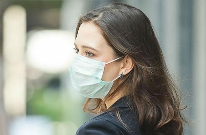 Έκτακτη προειδοποίηση ΕΟΦ για τις μάσκες: Ποιες είναι μόνο για ενήλικες και όχι για πάνω από 5 ώρες