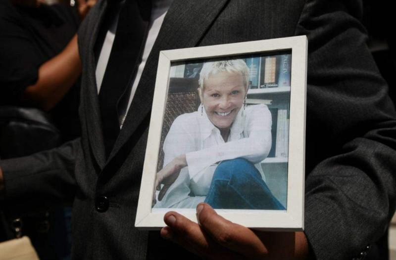 Ντροπή στην κηδεία της Ζωής Λάσκαρη: Αποκάλυψη τώρα!