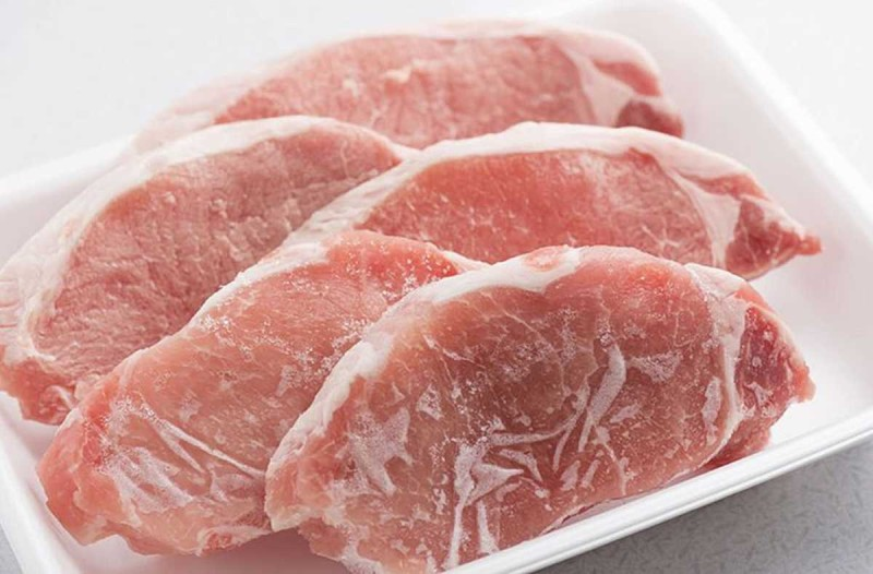 Μεγάλη προσοχή: Μην αφήνετε το κρέας εκτός ψυγείου πάνω από…