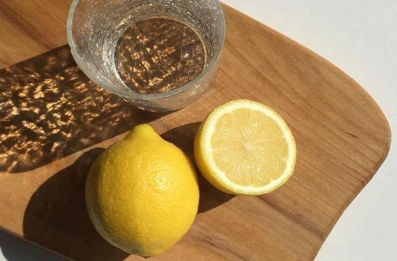 Λεμόνι και νερό για απώλεια βάρους