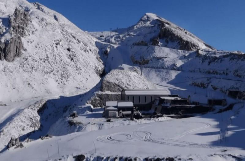 Παρνασσός: Ιστορικός πρώτος χιονιάς χωρίς επισκέπτες στο χιονοδρομικό! (video)